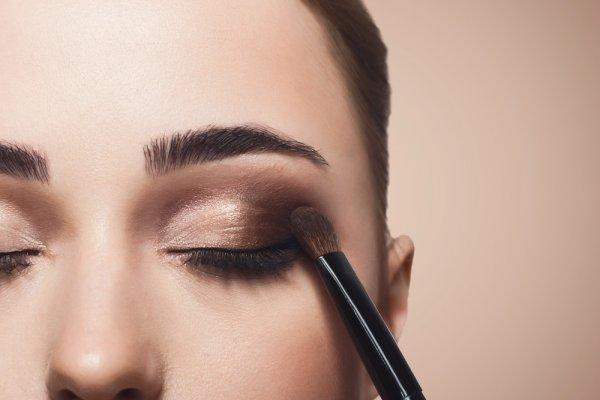 10 Rekomendasi Eyeshadow untuk Pemula yang Ingin Tampil Cantik dengan Riasan Mata yang Memukau