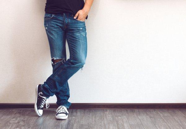 Para Pria Bisa Tampil Keren Kapan Saja dengan 10 Rekomendasi Washed Jeans Ini (2020)