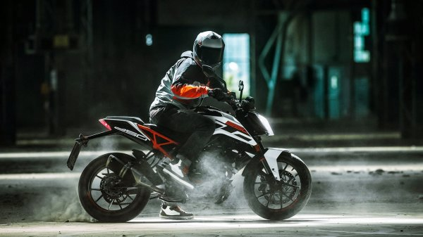 The 10 Best Bikes in India in 2020. If You've Been Planning on Getting Your Dream Bike, These are Going to Be the Top Contenders!