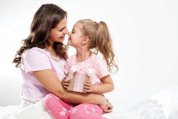 Gợi ý 10 món quà cho bé gái 7 tuổi khiến bé thích thú (năm 2021)