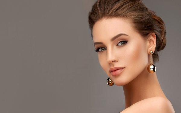 Tips Makeup Awet Muda dan 10 Rekomendasi Kosmetik untuk Usia 30 Tahun ke Atas (2021)