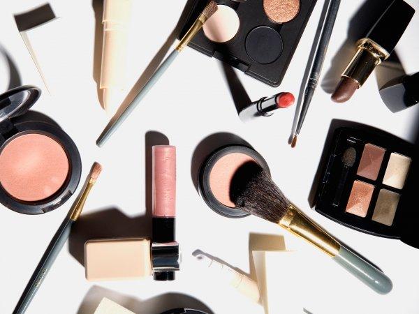 Jangan Lewatkan 7 Produk dari Brand Ternama Berikut untuk Memaksimalkan 9+ Tren Makeup Kece Buat Penampilan Keren Kamu (2018)