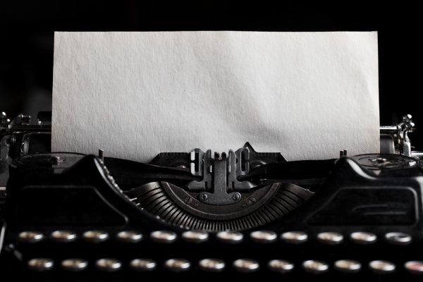 Ingin Mengetik dengan Mesin Tik? Ini 8 Rekomendasi Mesin Tik Manual dan Elektronik yang Masih Dicari Orang (2018)