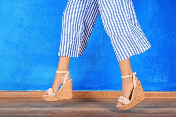 Tips Menawan dan Nyaman dengan Celana Kulot Motif serta 10 Rekomendasinya