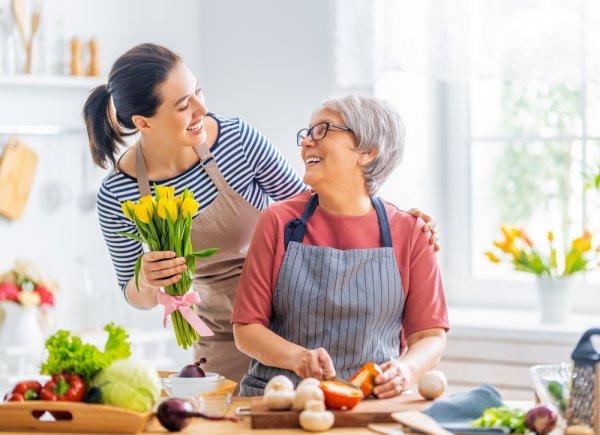 Gợi ý 10 món quà sinh nhật ý nghĩa và thiết thực dành tặng mẹ (năm 2021)