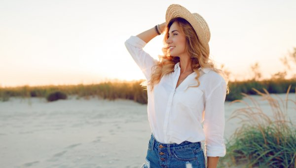 10 Rekomendasi Baju Wanita Lengan Panjang untuk Bikin Gaya Makin Stylish (2020)