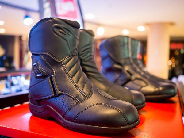 Lindungi Kaki Selama Touring Motor dengan Sepatu yang Tepat, Ini 10 Rekomendasinya
