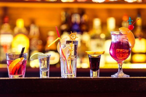 Luar Biasa Mahal: 10 Minuman Keras Termahal di Dunia Berikut Bisa Membuat Anda Benar-benar Terkejut (2018)