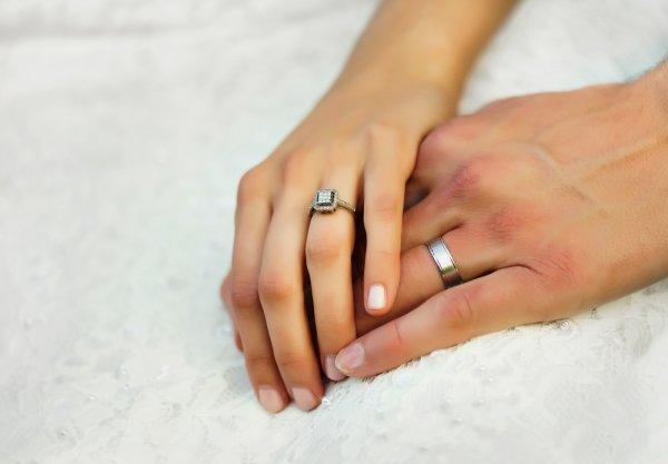10 Pilihan Cincin Couple Unik dan Cantik