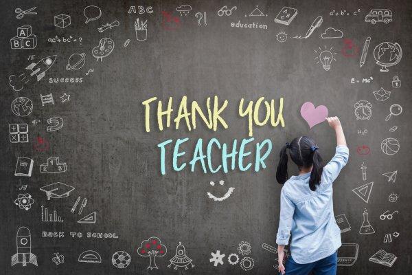 Berikan Kenangan Manis untuk Gurumu dengan 12+ Rekomendasi Suvenir Terbaik bagi Gurumu sebagai Ungkapan Terima Kasih
