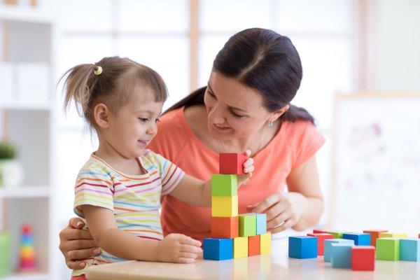 Si Kecil Makin Pintar dengan 10 Rekomendasi Mainan Edukasi Anak 2 Tahun Ini! (2020)
