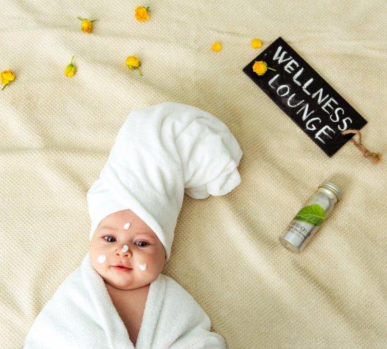 10 Rekomendasi Produk Perawatan Bayi 7 Bulan Yang Aman Untuk Bayi