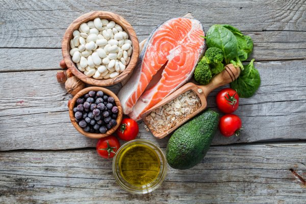 10 Rekomendasi Makanan Sehat untuk Menjaga Kesehatan Jantung yang Berharga