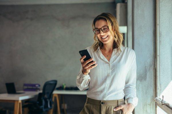 10 Rekomendasi Handphone Samsung Terbaru yang Bisa Menggantikan Handphone Lama Anda (2020)