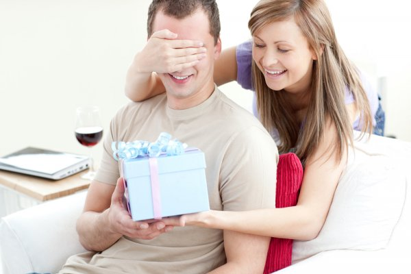 Make His Birthday a Day to Remember! 10 Excititng Gifts for Your Husband on His Birthday and 3 Ways to Make This Day Memorable (2019)
