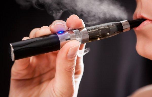 Ingin Merasakan Sensasi Merokok Yang Beda? Coba 10 Pilihan Rokok Elektrik Terbaik Berikut Ini