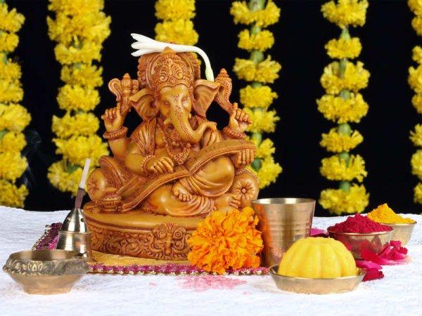 इस गणेश चतुर्थी आप अपने घरों में ट्राई कीजिए महाराष्ट्र की यह 7 आसान  रेसिपीज और बनाएं इस त्यौहार को और भी खुशहाल। साथ में जानकारी और टिप्स (2020)