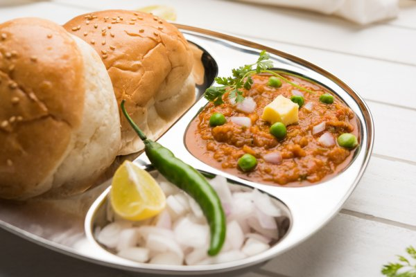 Planning a Trip to Mumbai in 2019? We Suggest You Try the Food Mumbai is Famous For