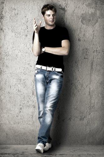 Tips dan Rekomendasi 10+ Produk Celana Slim Fit yang Trendi untuk Pria