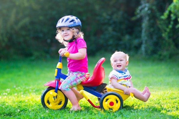 10 Pilihan Sepeda Dorong Bayi untuk Jadi Inspirasi yang Membahagiakan Buah Hati (2018)