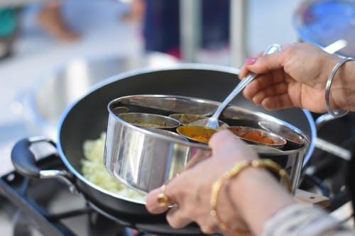 Masak Sup Kini Tak Perlu Ribet! Ini 10 Rekomendasi Bumbu Instan Sup yang Praktis dan Cepat (2020)