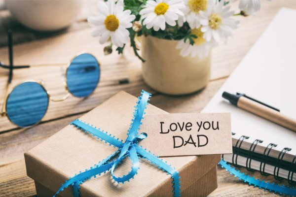 10 Delightful Gift Ideas For Dads Birthday Make Your Darling Day A Special One 2018