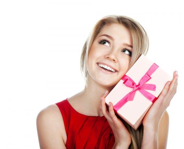 10 Pilihan Kado Cantik untuk Wanita yang Spesial