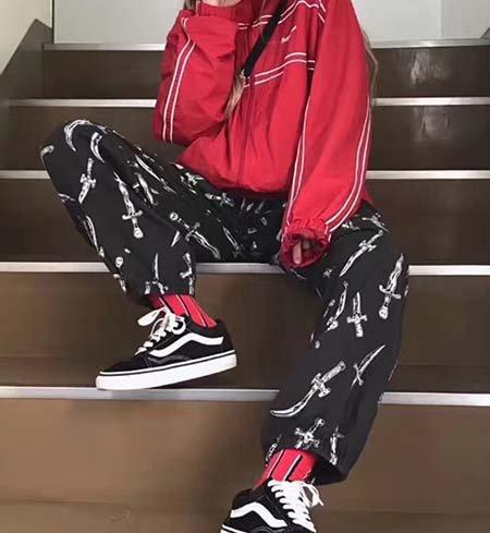 Bergaya Street Style dengan 9 Celana Supreme untuk Pria