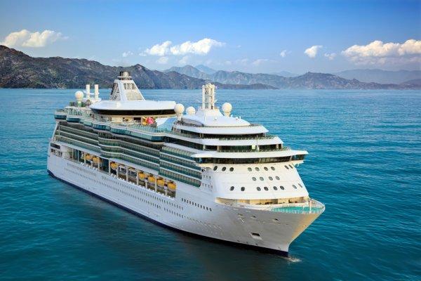 5 Tips Berpetualang Nyaman dengan Liburan Cruise yang Seru dan 4 Rekomendasi Paket Liburan Cruise