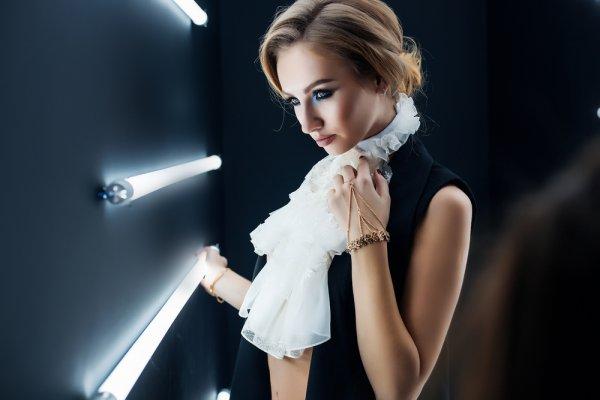 Mau Secantik Model? Nih, Simak 4 Tips dan 8 Tutorial Makeup ala Model dari MUA Ternama
