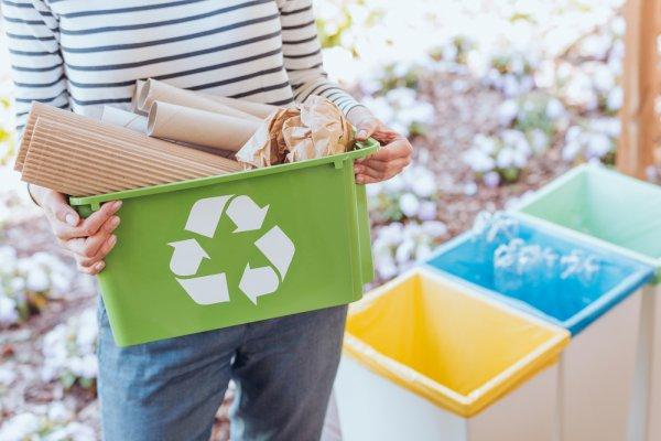 Simak Kisah Tokoh yang Sukses Mendaur Ulang Sampah dan Rekomendasi 8 Produk Daur Ulang yang Keren untuk Digunakan