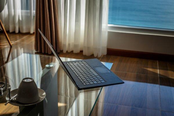 Gợi ý 10 loại laptop siêu nhỏ gọn đáng mua (năm 2021)