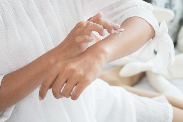 Anda Punya Kulit Sensitif? Ini 9 Rekomendasi Produk Skincare yang Cocok untuk Anda (2020)