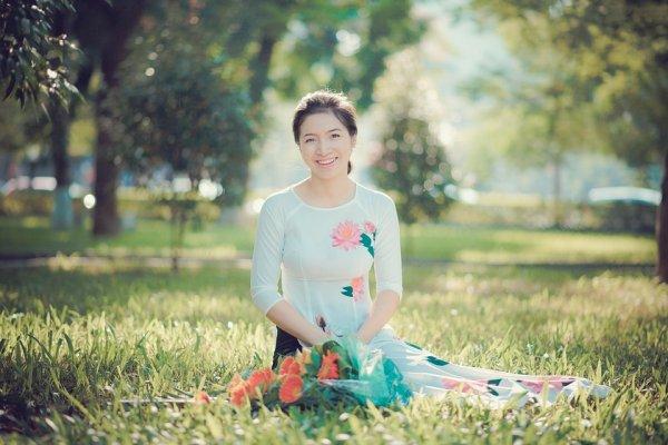 Jalan-jalan ke Vietnam? Jangan Lupa Membeli 7 Rekomendasi Pakaian Tradisional Vietnam Berikut Ini
