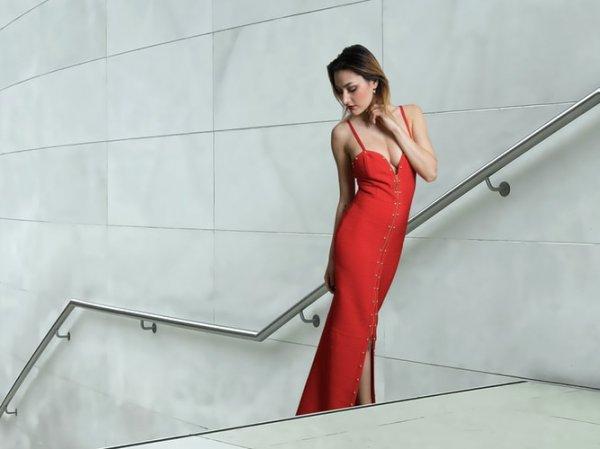 10 Rekomendasi Model Dress Merah Ter-update yang Membuat Wanita Terlihat Elegan (2020)
