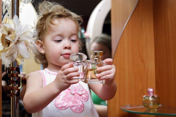 10 Rekomendasi Parfum untuk Bayi yang Aman Digunakan Sepanjang Hari