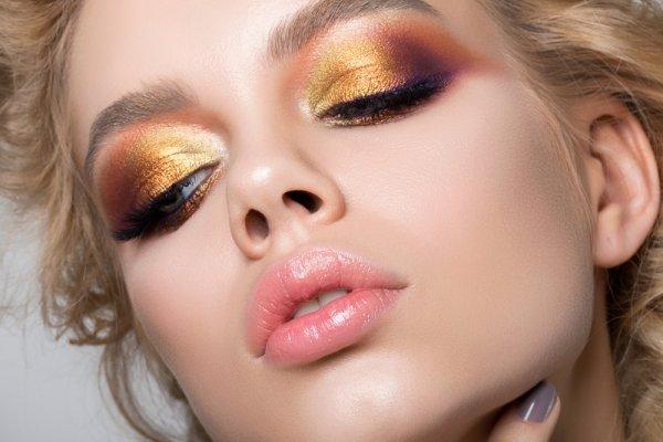 8 Rekomendasi Produk yang Tepat untuk Makeup Kulit Berminyak agar Lebih Tahan Lama dan Bebas Kilap