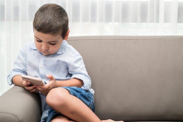 10 Rekomendasi Gadget yang Aman dan Pas untuk Anak Anda