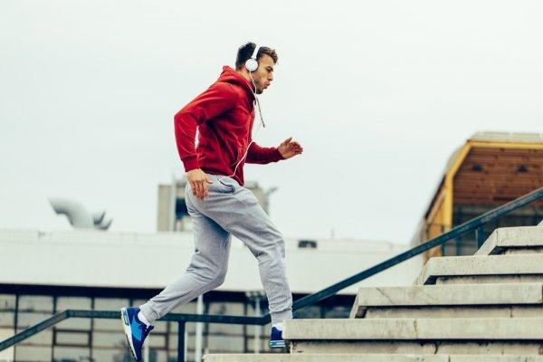 Tampil Keren Saat Berolahraga dengan Jaket Nike yang Sporty untuk Pria dan Wanita