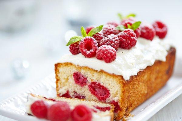 Suka Baking Kue? Yuk, Coba 10 Rekomendasi Buah Kering untuk Topping Kue