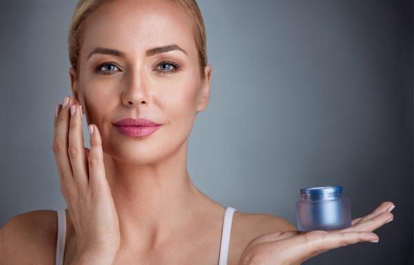 10 Rekomendasi Skincare Anti Aging untuk Usia 30 Tahun yang Efektif (2021)