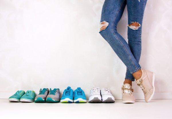 Ini Dia 9 Rekomendasi Sneakers Kekinian untuk Pria yang Bisa Dikenakan  Sehari-Hari (2018) cd8ffb63ab