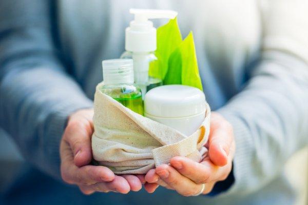 Inilah 4 Tips Mengetahui Kosmetik yang Aman untuk Ibu Hamil serta 10 Merek Kosmetik yang Direkomendasikan