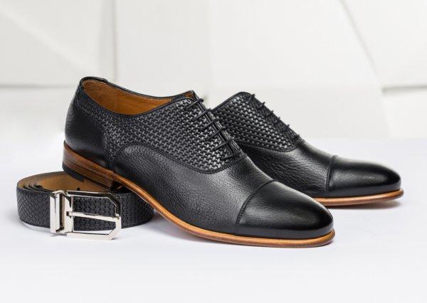 Tanpa Perlu Menguras Dompet, Ini Dia 10 Rekomendasi Sepatu Kulit Lokal Terbaru dan Berkualitas yang Bisa Kamu Dapatkan (2020)