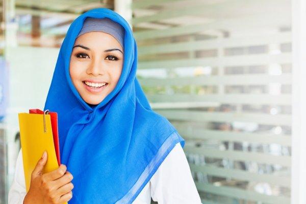Tampil Cantik dan Anggun Berkat Rekomendasi 10 Jilbab Terbaru 2018