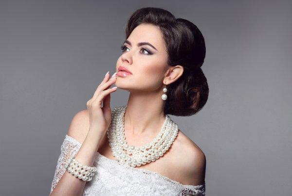 Ladies, 10 Set Perhiasan Lengkap Ini Cocok untuk Memperindah Kecantikanmu!
