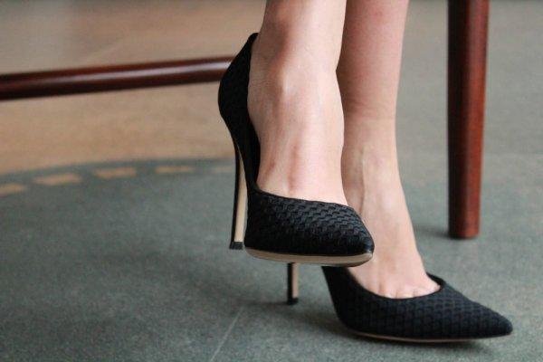 Rekomendasi Sepatu Pesta Termurah Untuk Melengkapi Penampilanmu yang Glamor