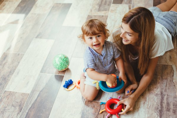 10 Rekomendasi Mainan untuk Anak 2 Tahun yang Tepat untuk Mendukung Perkembangannya