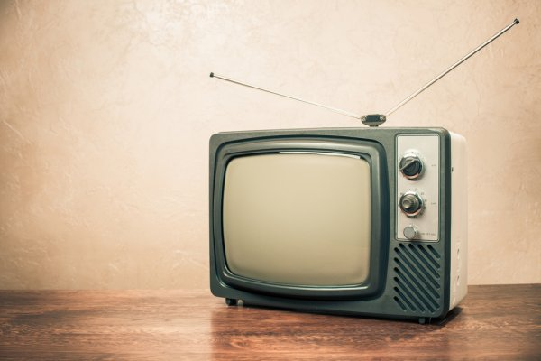 Rindu dengan Acara Televisi Zaman Old? Inilah 5 Acara TV Jadul yang Sukses Bikin Anda Bernostalgia dan 4 Momen Tak Terlupakan dari Televisi Zaman Dulu