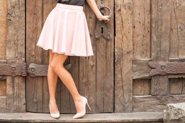 Ingin Kakimu Lebih Jenjang dan Cantik? 10 Rekomendasi dan Padu Padan Rok Pendek Ini Bisa Jadi Gaya Andalan!